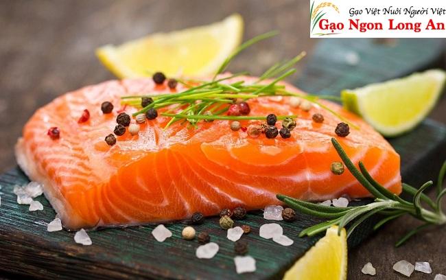 Cách làm sushi cá hồi chín